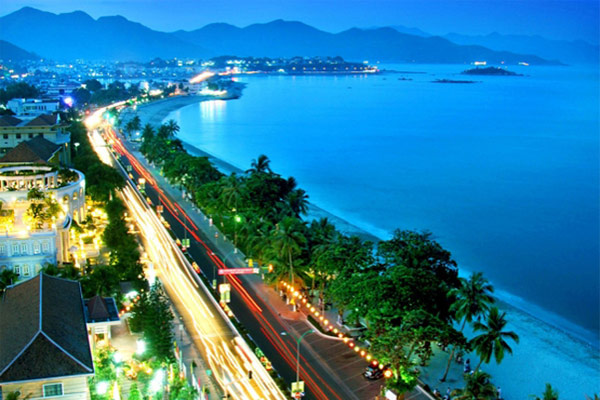 Nha Trang - Flight to Da Nang (B)