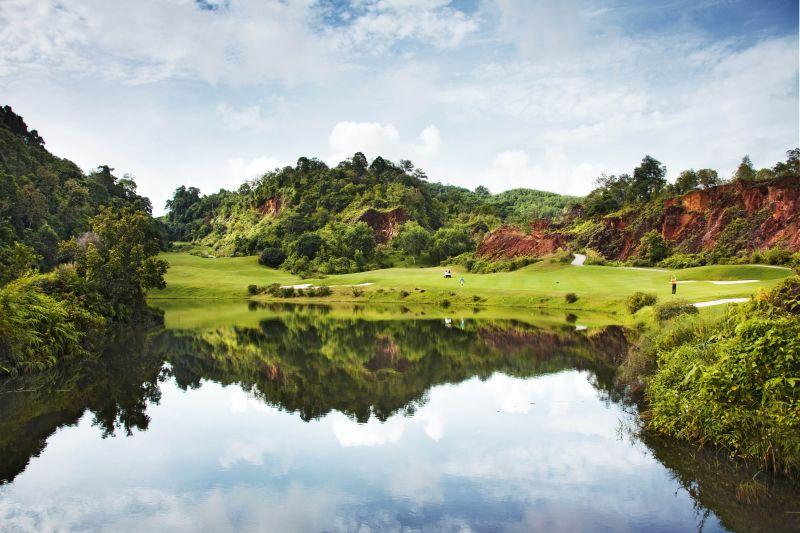 Golf at Red Mountain Golf Club (B)
