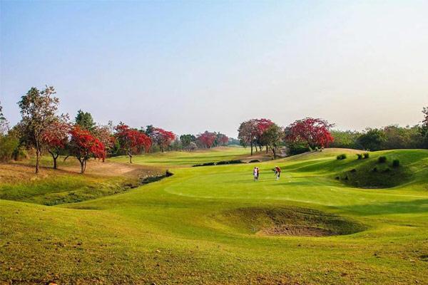 Waterford Valley Chiangrai Golf Course | สนามกอล์ฟ วอเตอร์