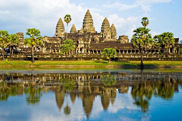 Arrive in Siem Reap