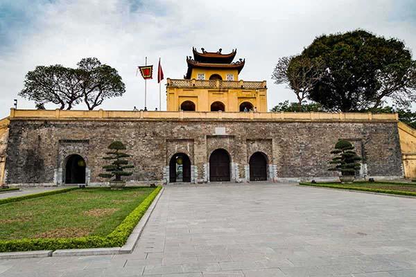 Imperial Citadel-Hanoi golf tour